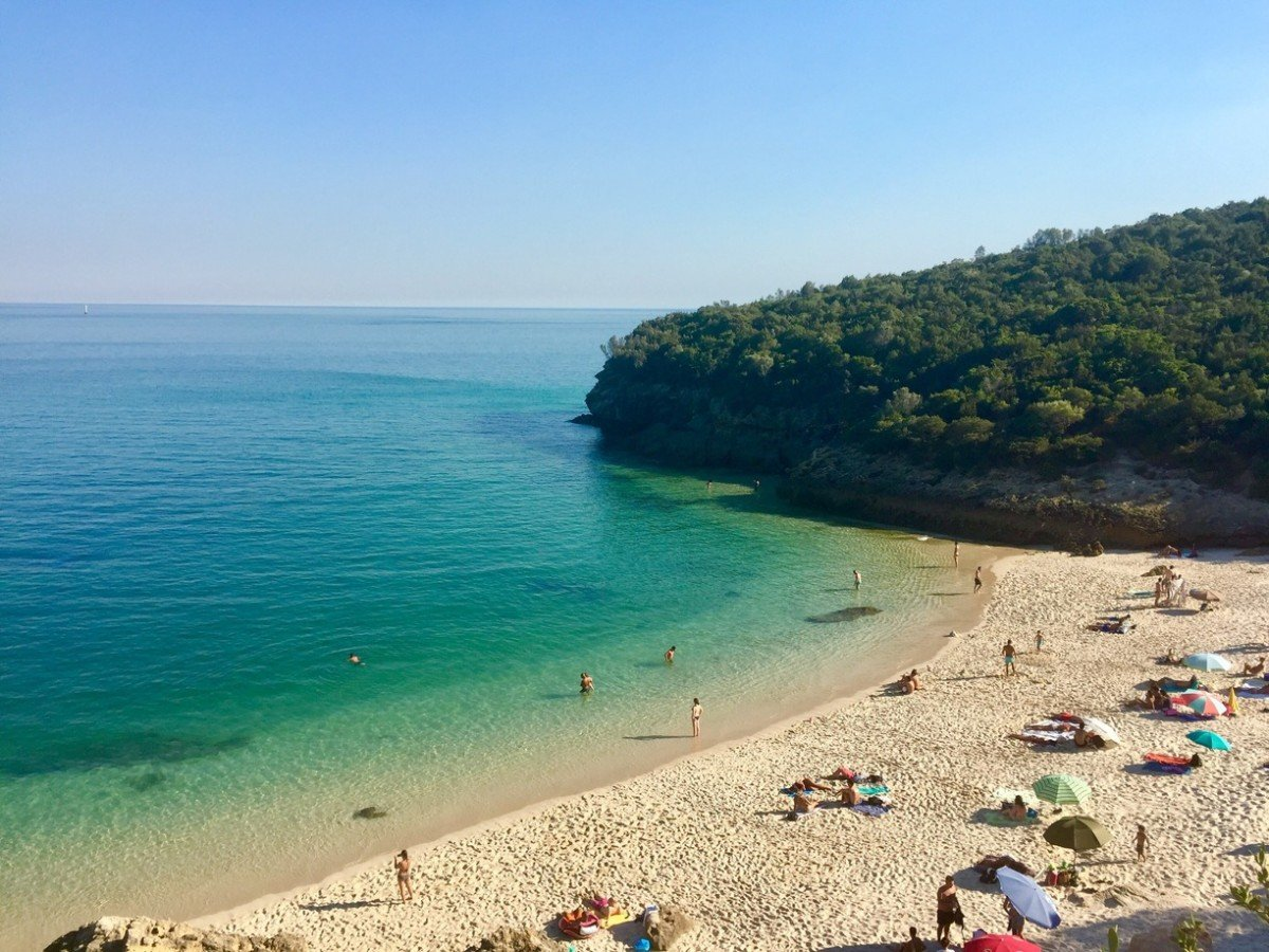 A Quick Summer Guide to Lisbon Beaches