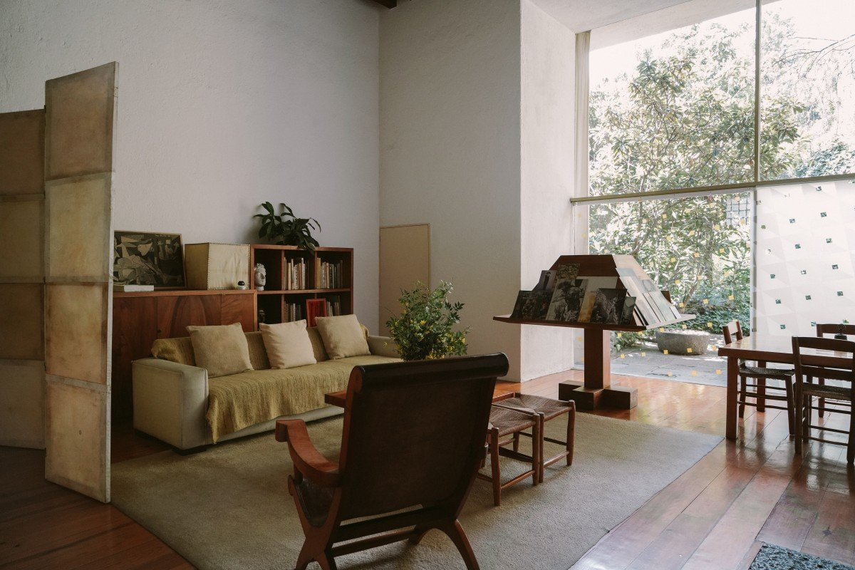 Mexico City Inspired A Mid Century Modern Living Room Bon Traveler