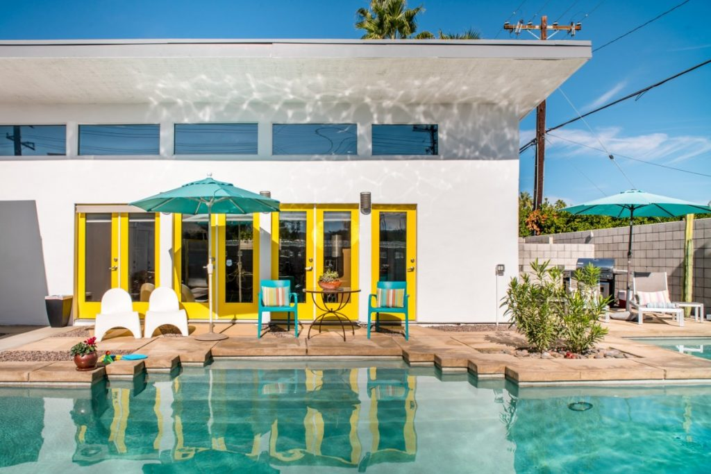 10 Incredible Airbnbs to Rent in Palm Springs