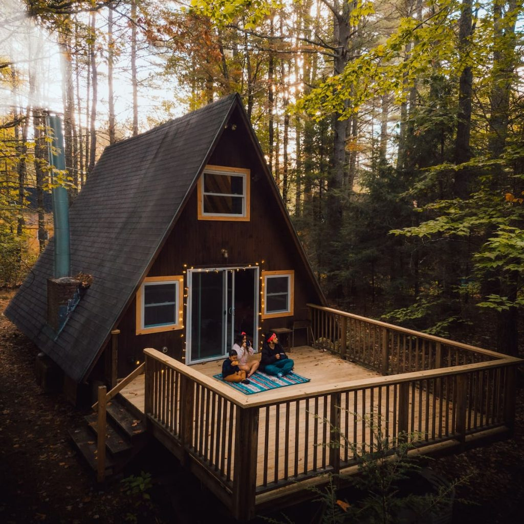 The Dreamiest Airbnbs to See Fall Foliage in the US